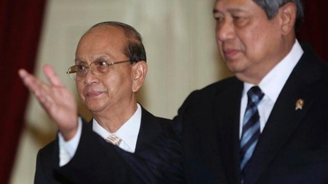 Presiden Yudhoyono dan tamunya dari Myanmar, Presiden Thein Sein