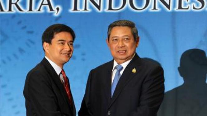 PM Thailand, Abhisit Vejjajiva, dan Presiden SBY.