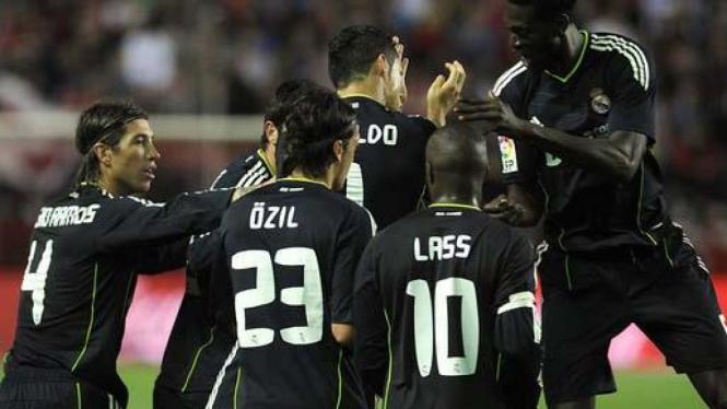 Pemain Real Madrid rayakan gol Cristiano Ronaldo