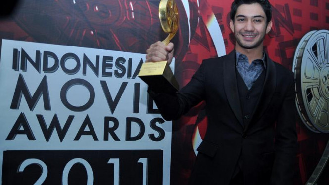 Indonesian Movie Awards 2011; Reza Rahadian