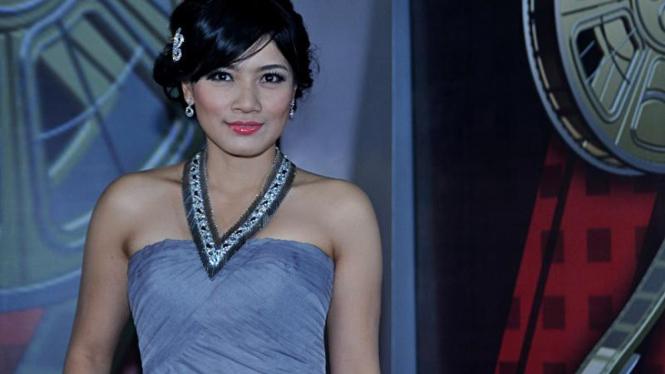Indonesian Movie Awards 2011; Titi Kamal