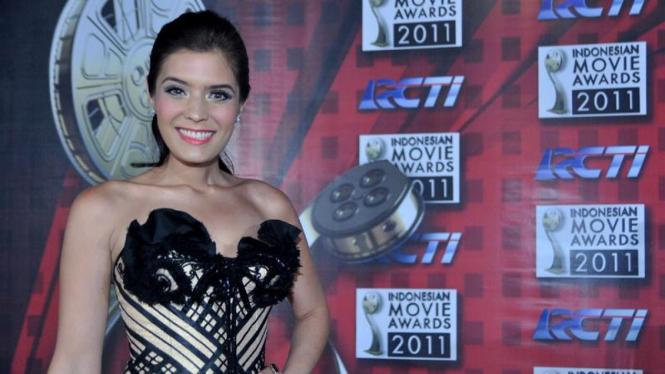 Indonesian Movie Awards 2011; Carissa Putri