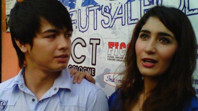 Tommy Kurniawan dan Tania