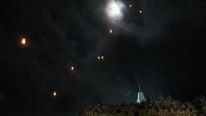 Lampion Waisak di Borobudur