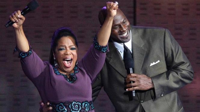 Michael Jordan menghadiri acara perpisahan spektakuler Oprah