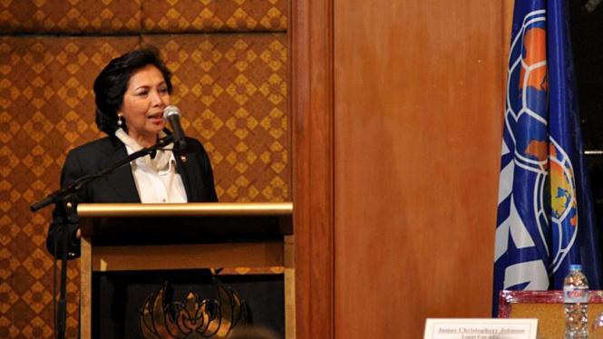 Rita Subowo di Kongres PSSI
