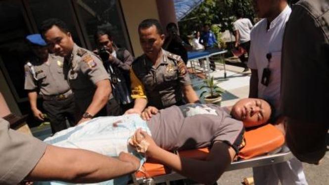 Bripda Edward terluka ditembak di depan Kantor BCA Palu