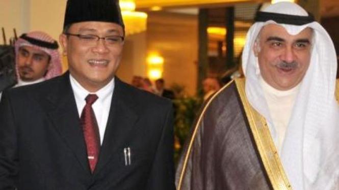 Jumhur Hidayat (kiri) dan Menteri Tenaga Kerja Arab Saudi