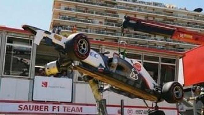 BMW Sauber milik Sergio Perez kecelakaan di GP Monaco