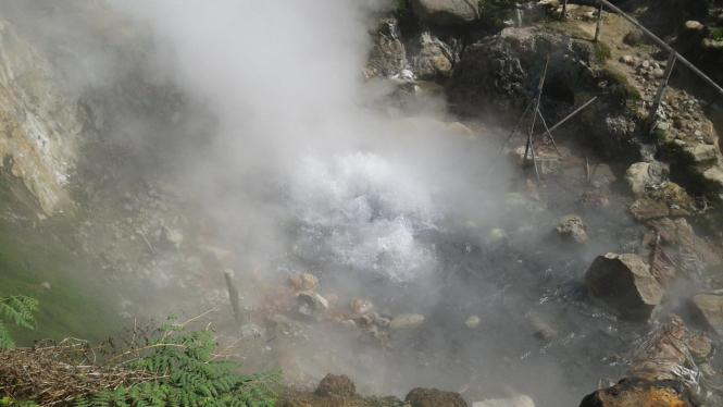 Gunung Dieng Waspada, Bahaya Sudah Berlalu? - VIVA