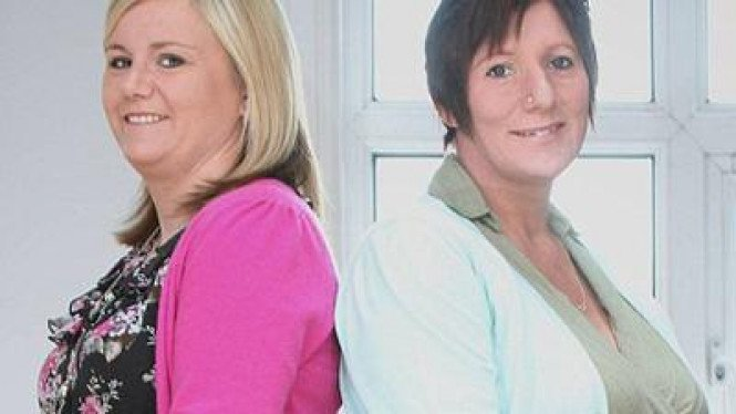 Amanda Broomhall dan Louise Smith