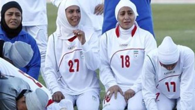 Tim sepak bola wanita Iran.
