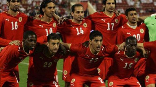 Timnas Bahrain dengan Alaa Hubail (no.30)