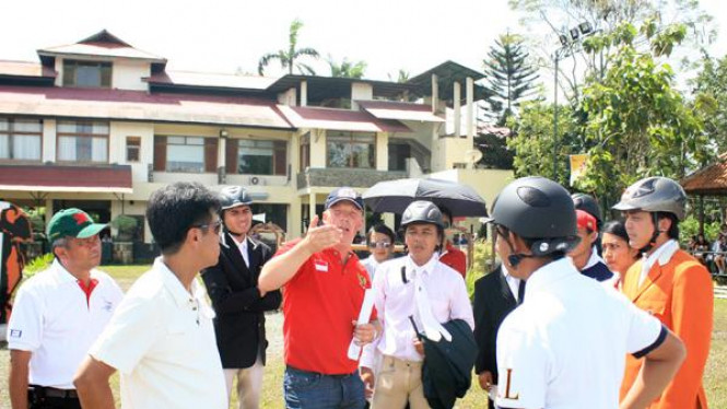 Atlet equestrian Indonesia