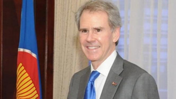 Ambassador David Lee Carden