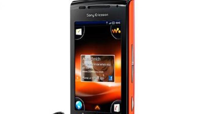 Sony Ericsson W8, walkman phone Android pertama