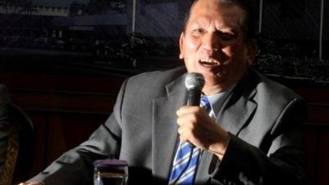 Mantan Ketua Komisi II DPR, Chairuman Harahap.