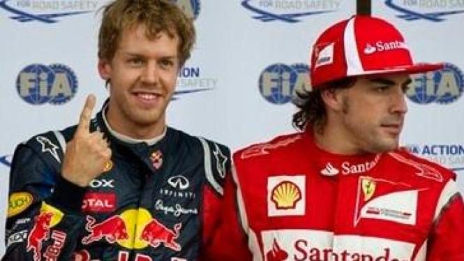 Sebastian Vettel (biru) di GP Kanada