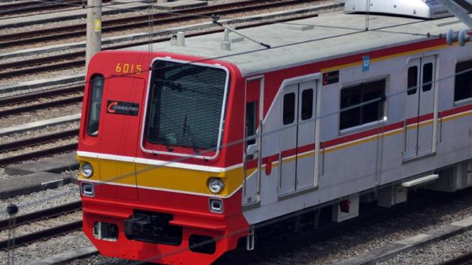 Kereta di DIPO KRL Depok