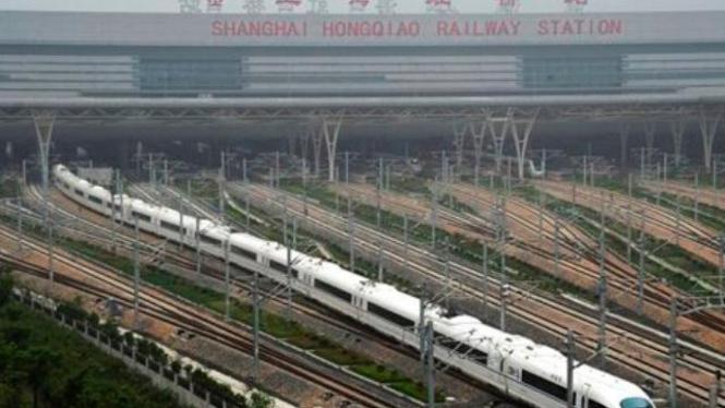 Jalur kereta super cepat di Shanghai, China