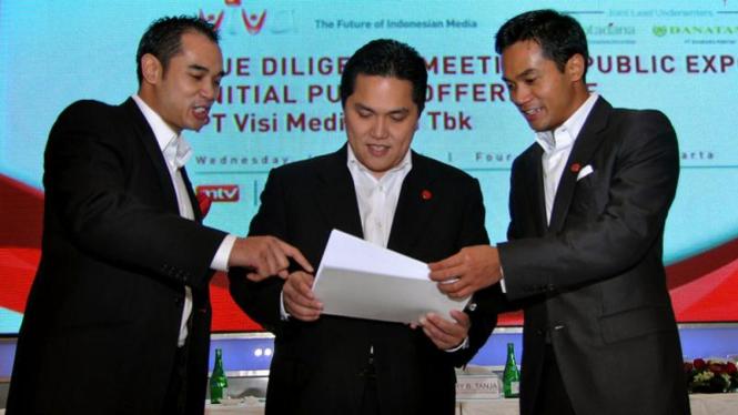 Ardiansyah Bakrie, Erick Thohir & Anindya N. Bakrie di IPO VIVA