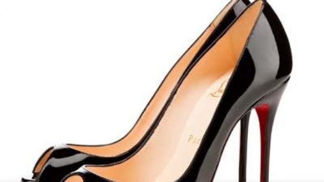 Sepatu model pencil heel