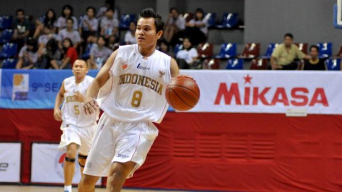 Indonesia VS Singapura Saat SEABA 2011 di Jakarta; Faisal Julius Ahmad