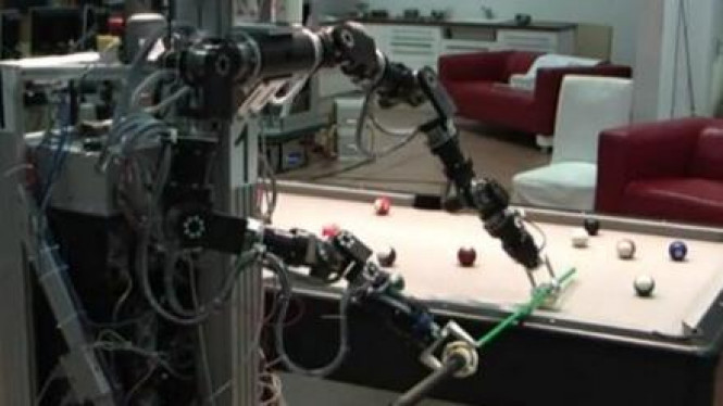 Robot Pemain Biliard