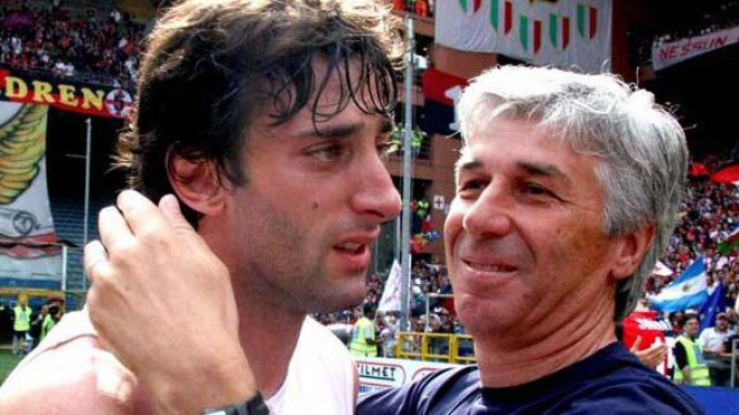Gian Piero Gasperini (kanan) akan reuni dengan Diego Milito