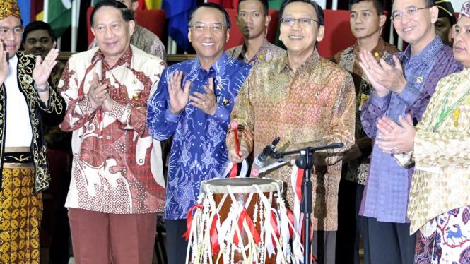 Wapres Boediono di Silaturahmi Nasional Raja dan Sultan Nusantara II