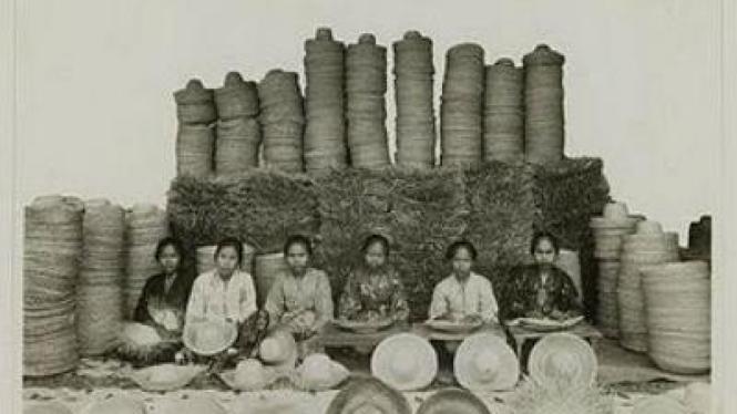 Kerajinan Topi bambu