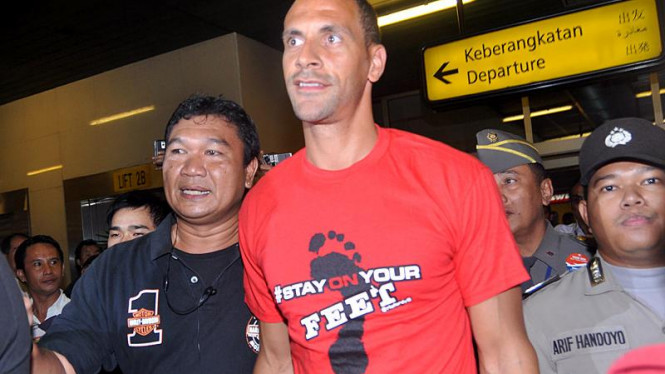 Rio Ferdinand Tiba di Bandara Soekarno Hatta