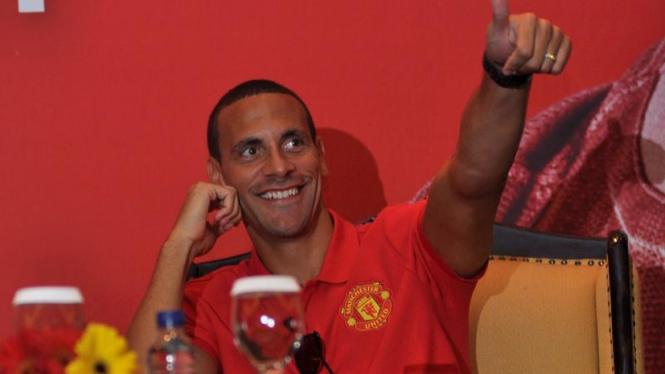 Rio Ferdinand di Acara Lelang Amal di Jakarta