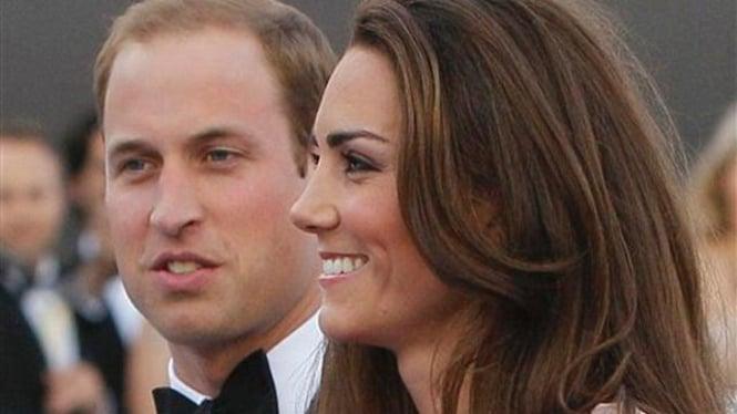 Pangeran William dan istri dalam suatu acara di London, 9 Juni 2011