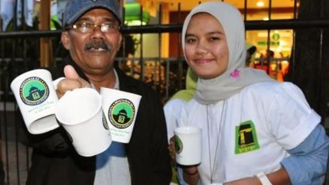 Mug PPP menyemarakkan muktamar di Bandung