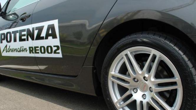 Bridgestone New Potenza Adrenalin RE002