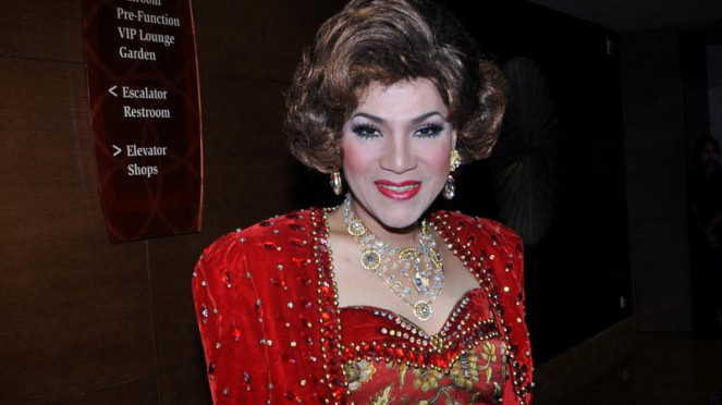 Dorce Gamalama di AMI Awards 2011