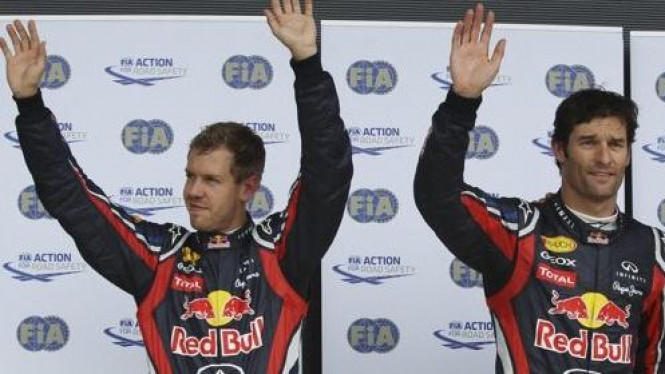 Mark Webber (kanan) dan Sebastian Vettel di GP Inggris