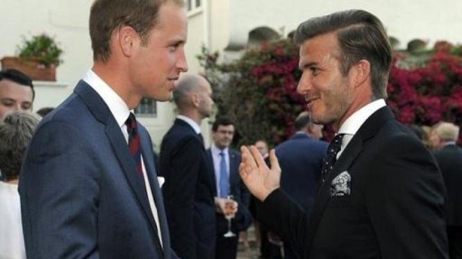 Pangeran William (Duke of Cambridge) kiri dan David Beckham
