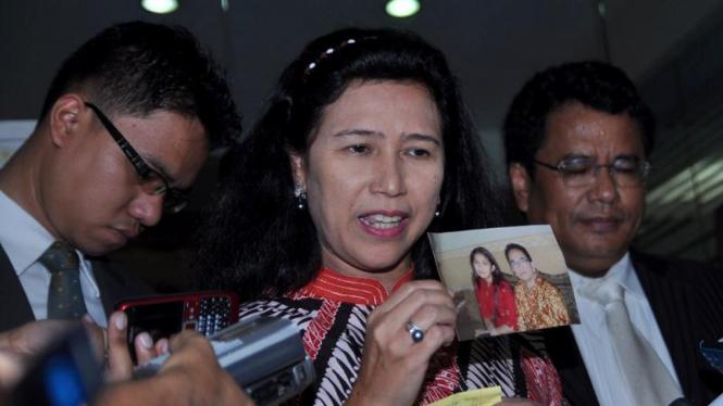 Istri Ruhut Sitompul Anna Rudhiantiana Legawati Ke Mabes Polri