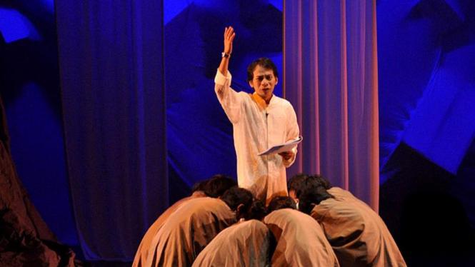 "Teater Theatrical Poetry Reading ""LALU AKU"""
