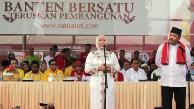 Ratu Atut Chosiyah maju pilkada Banten berpasangan dengan Rano Karno