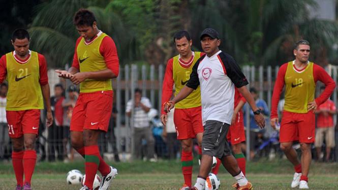 Latihan Perdana Timnas Bersama Wim Rijsbergen; Rahmat Darmawan