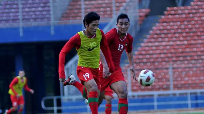 Ahmad Bustomi & Gunawan Dwi Cahyo Saat Latihan Timnas Jelang Turkmenistan