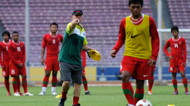 Latihan timnas bersama Wim Rijsbergen