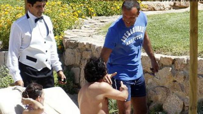 Carlos Tevez bertemu Marco Branca