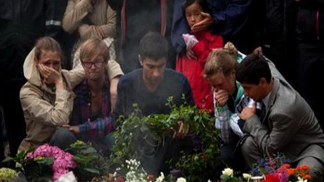 Warga Norwegia berduka atas serangan teroris 22 Juli 2011