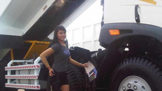Stela, SPG Faw di IIMS 2011