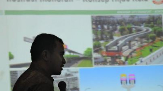 Direktur PT Kalla Group Solihin Kalla jelaskan proyek Monorel Makassar