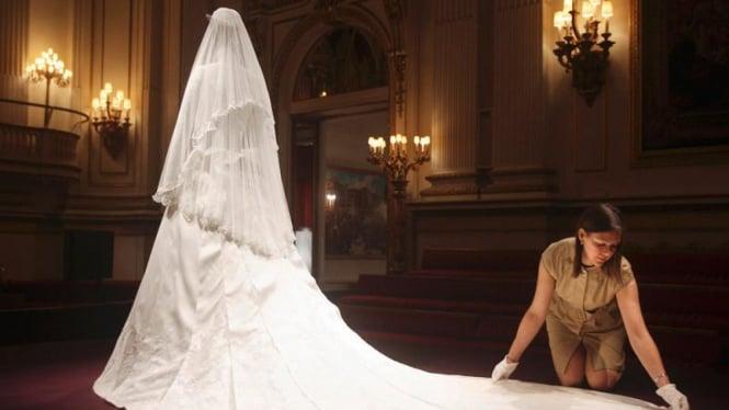 Gaun Pengantin Kate Middleton Dipamerkan